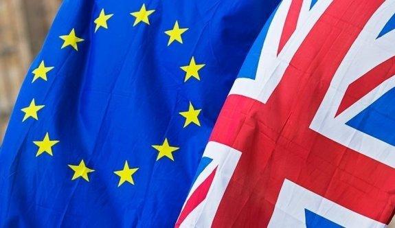 AB ile Birleşik Krallık arasında Brexit kavgası yeniden alevlendi