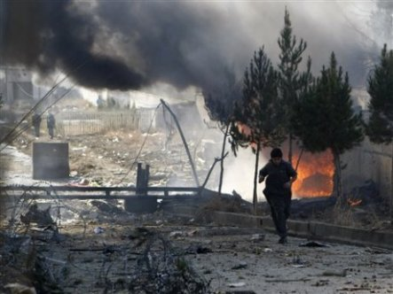 Afganistan'da camiye bombalı saldırı