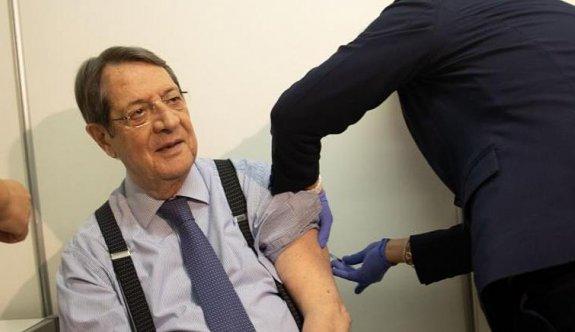 Anastasiadis, 3. doz aşısını yaptırdı