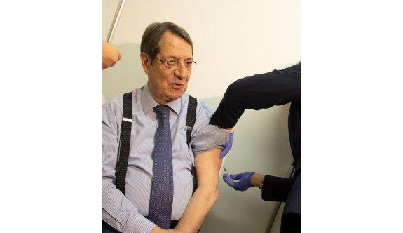 Anastasiadis üçüncü doz aşısını yaptırdı
