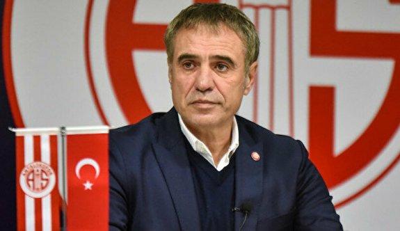 Antalyaspor'da Ersun Yanal'la yollar ayrıldı