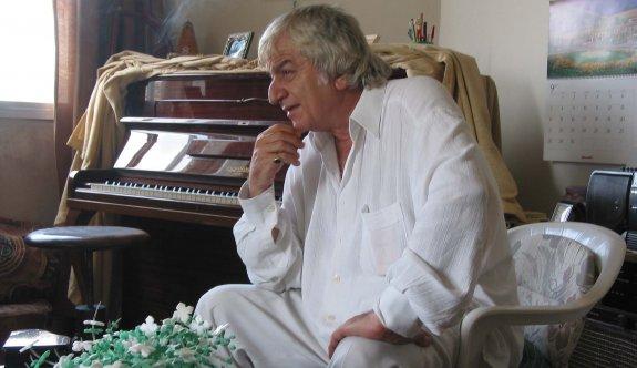 Bellapais'te konser sırası Arman Ratip'te