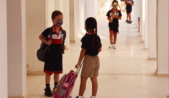 Bir haftada 129 öğrenci, 9 öğretmen pozitif