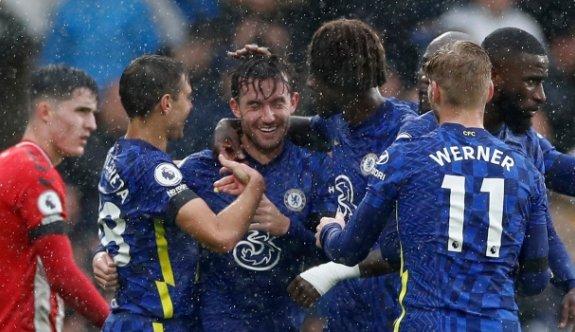 Chelsea, Southampton'ı üç golle geçti