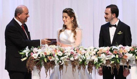 Cumhurbaşkanı Tatar, Çavuşoğlu'nun kızının düğününde şahitlik yaptı