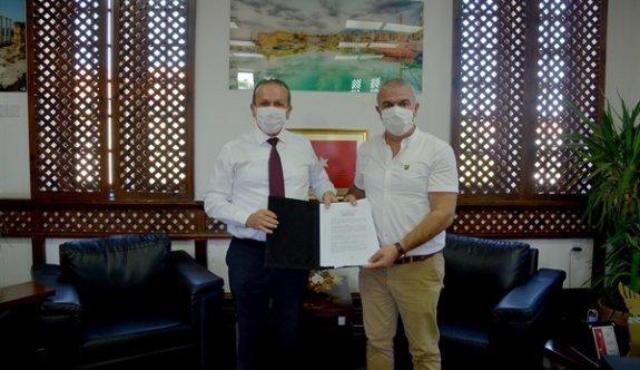 Dipkarpaz'daki hür eşekler için işbirliği anlaşması yapıldı