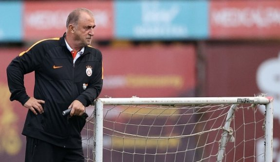 Galatasaray çift santrfora dönüyor