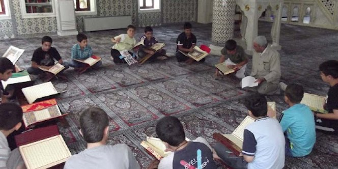 İzinsiz Kur'an Kursu'na polis baskını