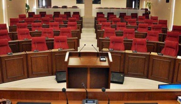Tatar gitti Meclis kilitlendi