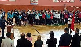 YDÜ badmintoncuları, Kırşehir'de raket sallıyor