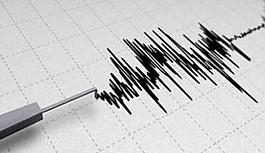 Kıbrıs 3.8 şiddetinde sallandı