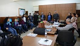 TDP Güzelyurt okullarını ziyaret etti
