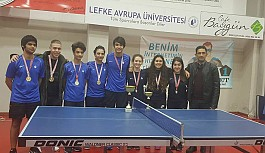 Levent Koleji şampiyon