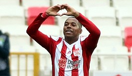 Robinho Sivasspor'u zafere taşıdı
