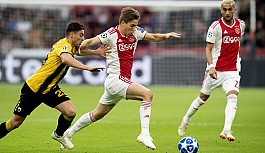 Ajax, AEK'yı ikinci yarıda yıktı