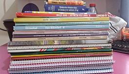 Öğrenciler eski kitaplarını...