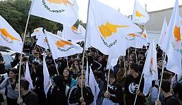 ELAM ve Rum öğrencilerden Lokmacı ve Ledra Palas sınır kapılarında eylem
