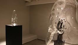 """""""Derindeki Canavarlar"""" sergisi Girne'de Art Rooms Galeri'de açıldı"""