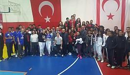 Eskrimde birincilikler Girne okullarının