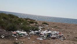 Sahil, çöplüğe döndü