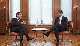 Anastasiadis'ten, Yunanistan'da önemli temaslar