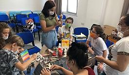 Geleceğin dahi çocukları Özay Günsel  Çocuk Üniversitesi'nde deneyerek öğreniyor