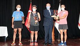 Koşucular ödüllendirildiler