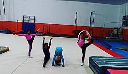 Cimnastikçiler salona döndü