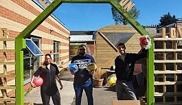 Londra'dan, Kuzey Kıbrıs'a top bağışı