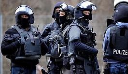 Almanya'da aşırı sağcı paylaşımlar özel polis birimini kapattırdı