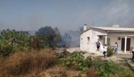 Akdeniz köyünde çıkan yangın korkuttu