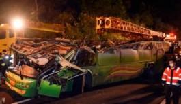 Tayvan'da otobüs kazası, 33 ölü