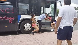 Turist çift tatil merkezinde terör estirdi