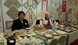 Kadınlar el ürünlerini sergiledi