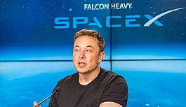 Elon Musk Falcon Heavy'deki hatayı...