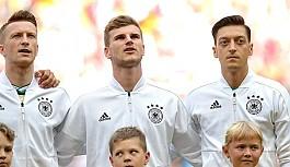 Werner'den Mesut Özil'e 'milli...