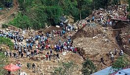 Mangkhut yıktı geçti
