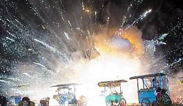 Sıcak hava balonları patladı festival...
