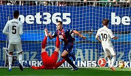 Solari'li Real Madrid'e Eibar şoku