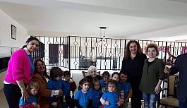 Montessori çocukları, yaşlıları sevindirdi