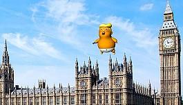 Donald Trump'ın devasa bebeği geri...