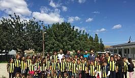 Fenerbahçe formaları, 23 Nisan hediyesi...