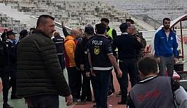 Gönyeli - Lefke maçında arbede yaşandı
