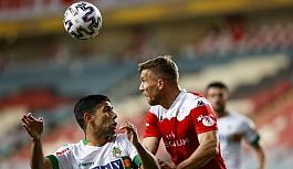 Antalyaspor adını finale yazdırdı