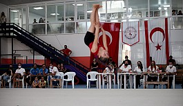 Cimnastik, orta eğitimde okul sporlarında...