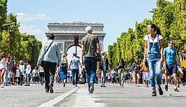 Fransa'da düşük gelirlilere 100 Euro...