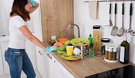 İnatçı yemek kalıntıları nasıl temizlenir?