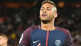 Neymar, Barcelona'yı FIFA'ya şikayet etti