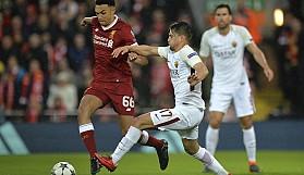 Liverpool final kapısını araladı