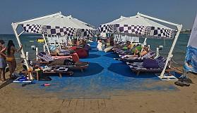 Girne plajları doldu taştı